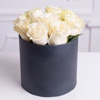 Purity 11 Roses Black Hat Box