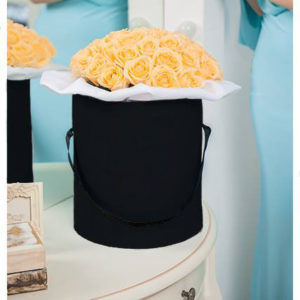 19 Yellow Roses Black Hat Box