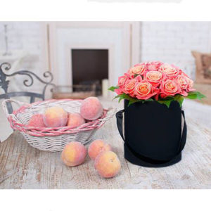 15 Peach Roses Black Hat Box